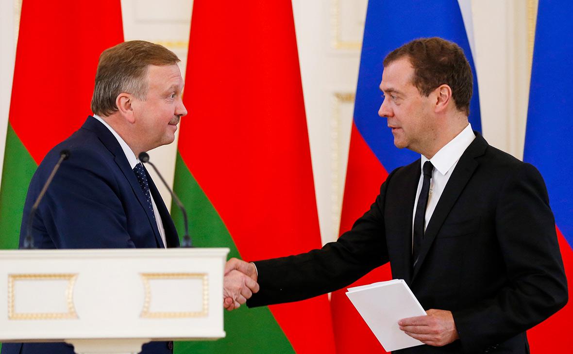 Андрей Кобяков и Дмитрий Медведев (слева направо)