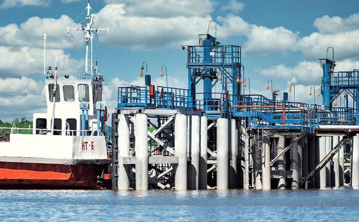 Омский нефтеперерабатывающий завод «Газпром нефти» завершил капитальный ремонт причальной инфраструктуры