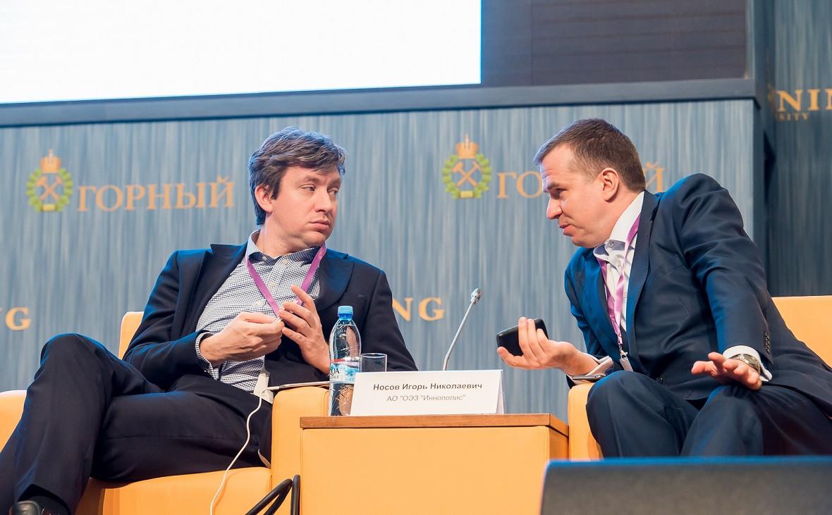 Игорь Носов (слева)