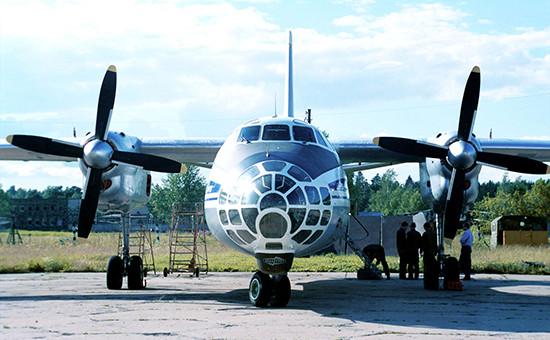 Российский самолетАн-30Б. Архивное фото