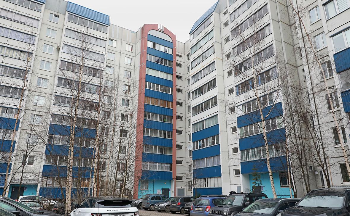 Дом, где было найдено тело убитого подростка в Санкт-Петербурге
