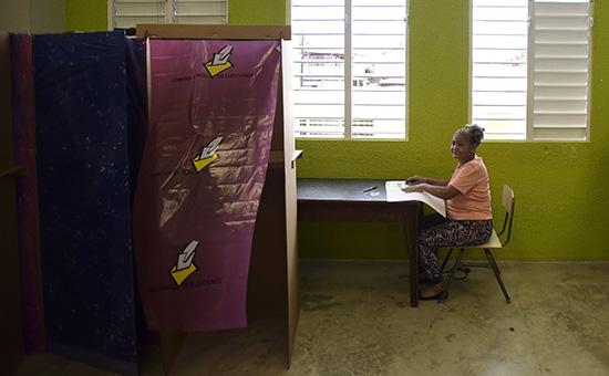 Голосование нареферендуме вгороде Сан-Хуан, Пуэрто Рико. 11 июня 2017 года