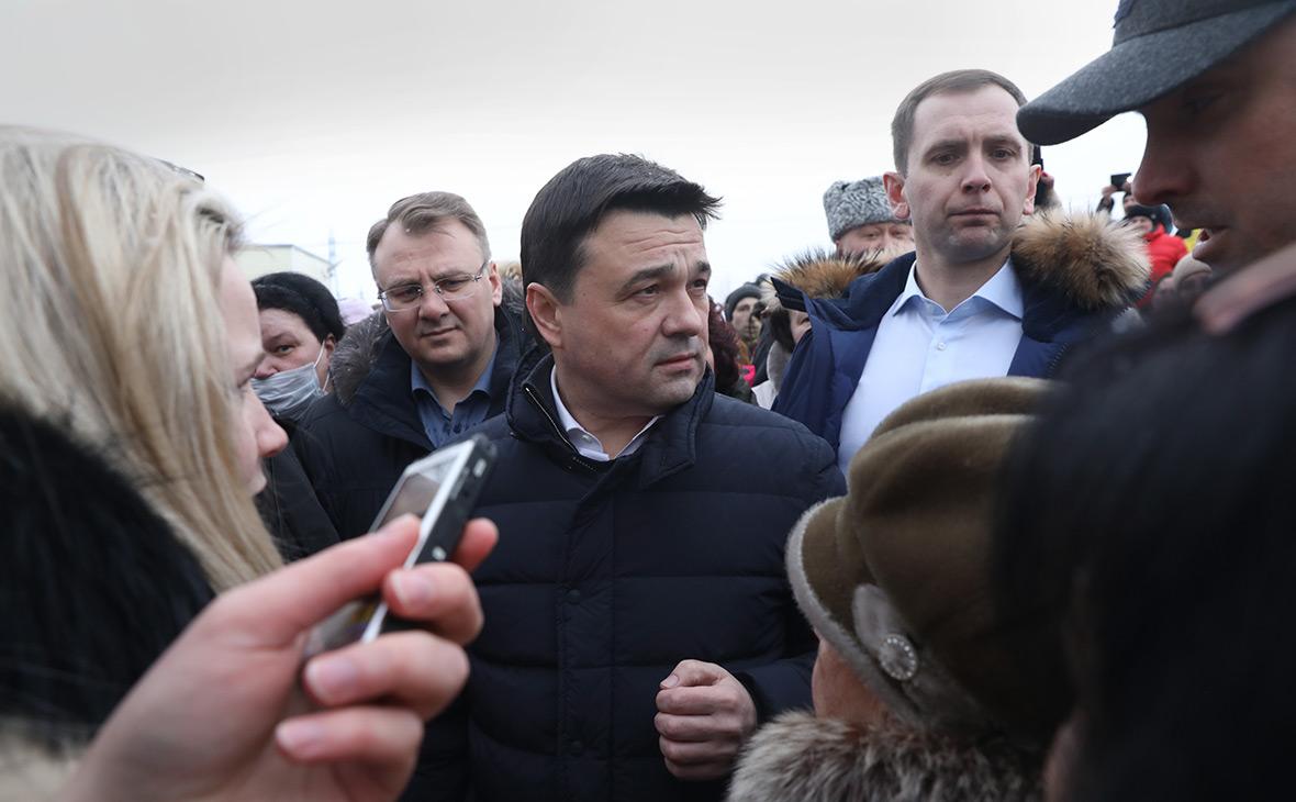 Андрей Воробьев (в центре)