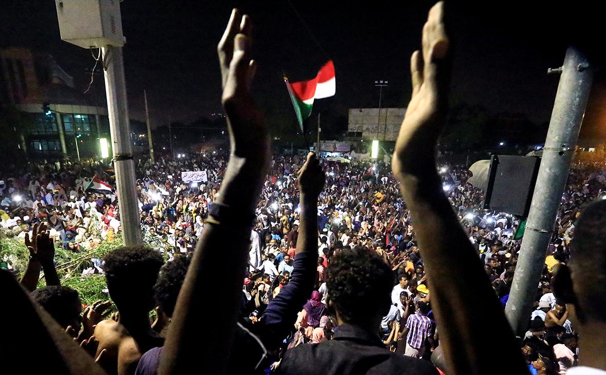 СМИ сообщили о военном перевороте в Судане