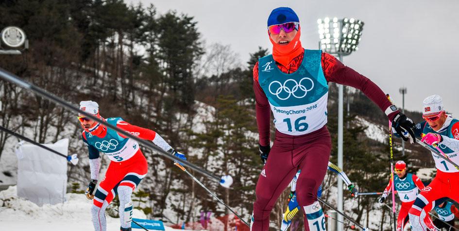 Денис Спицов принес России третью олимпийскую медаль в лыжных гонках