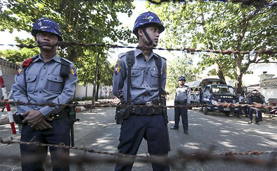 Сотрудники полиции Таиланда