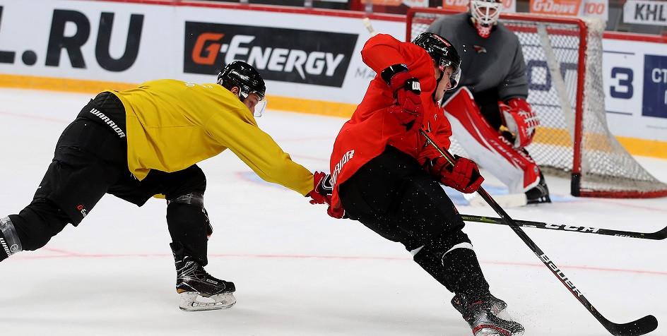 Тренировка хоккеистов «Авангарда»