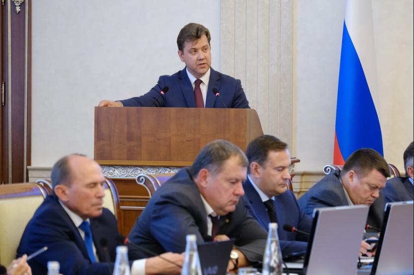 Заместитель председателя правительства Новосибирской области— министр финансов и налоговой политики региона Виталий Голубенко