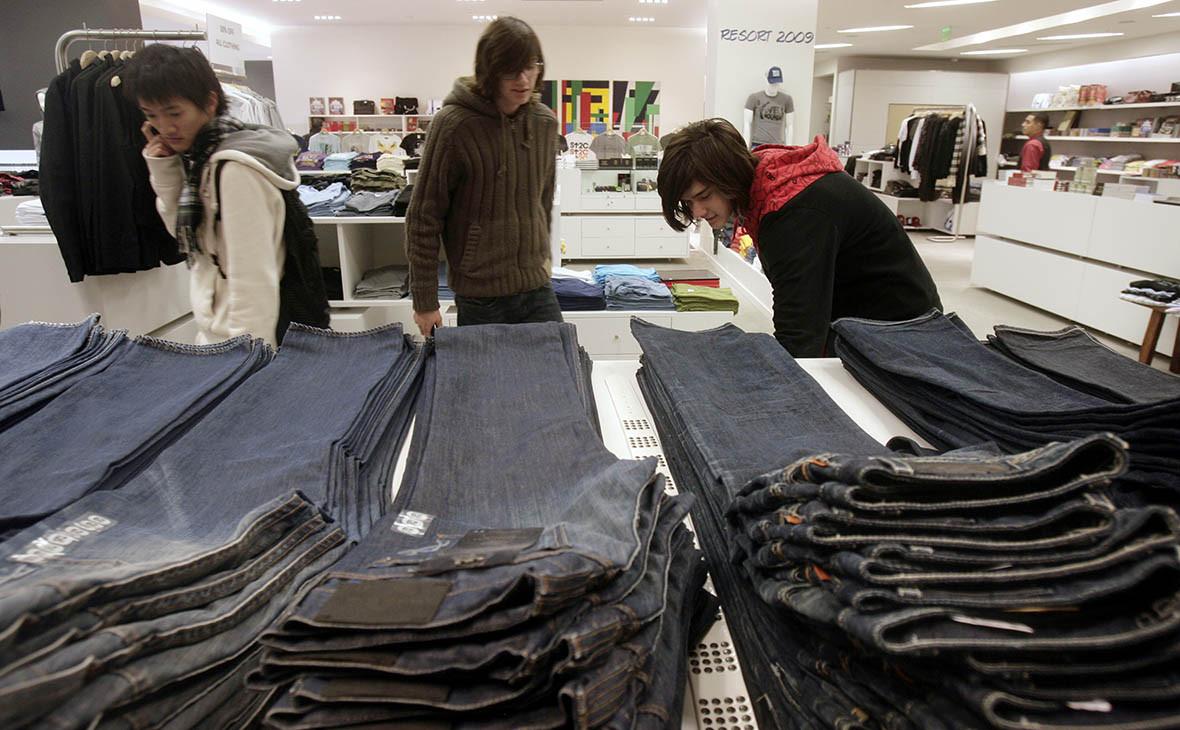 Владелец брендов Lee и Wrangler задумался о выходе из джинсового бизнеса
