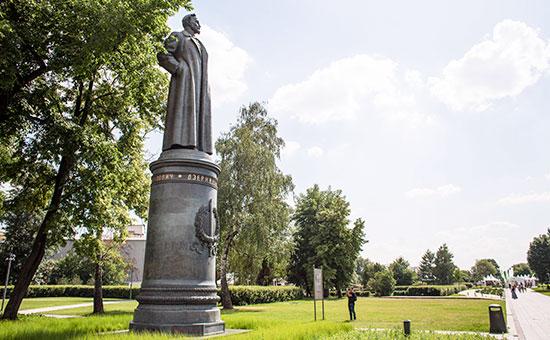 Памятник Ф. Дзержинскому в парке искусств «Музеон»