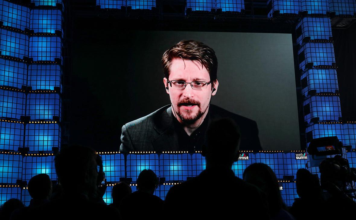 Сноудену дали бессрочный вид на жительство в России