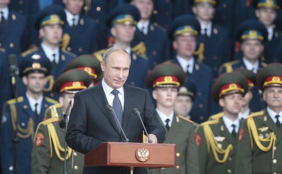 Президент России Владимир Путин вовремя открытия международного военно-технического форума «Армия-2015»