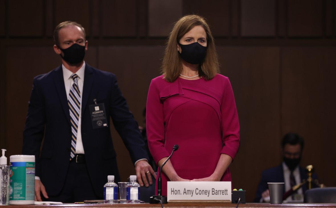Сенат США утвердил Эми Кони Барретт на должность члена Верховного суда