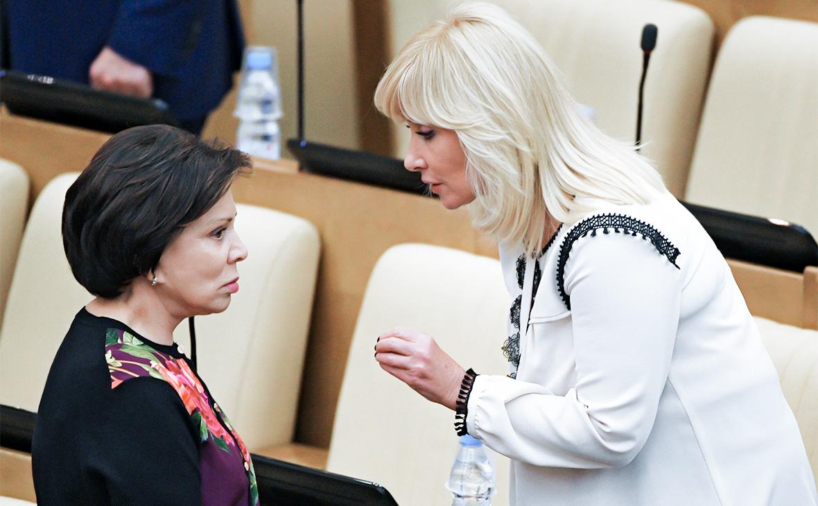 Ирина Роднинаи Оксана Пушкина (слева направо)