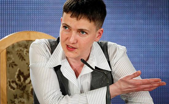 Помилованная вРоссии украинская военнослужащая Надежда Савченко вовремя пресс-конференции, 27 мая 2016 года