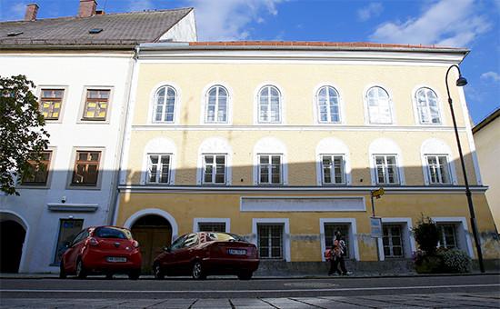 Здание, в котором родился Адольф Гитлер