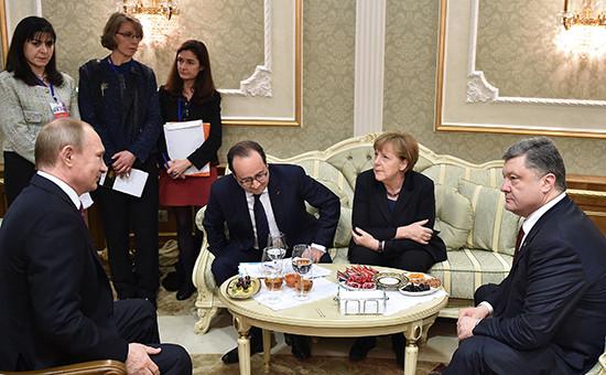 Владимир Путин, Франсуа Олланд, Ангела Меркель иПетр Порошенко вовремя встречи вМинске. Архивное фото
