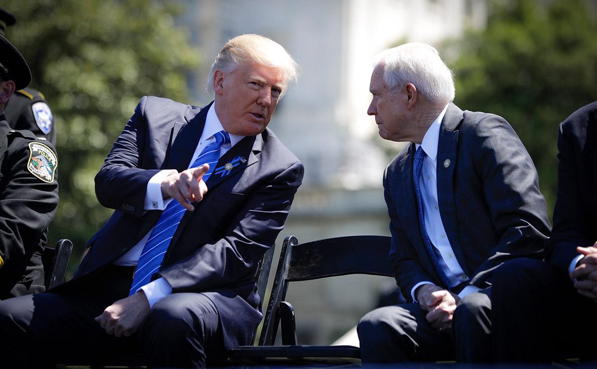Дональд Трамп иДжефф Сешнс(слева направо)