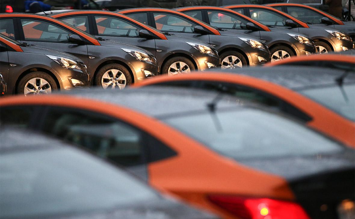 Автомобили сервиса «Делимобиль»