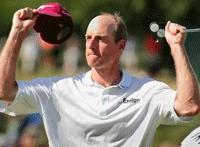 Фото: Профессиональный игрок в гольф Джим Фарук