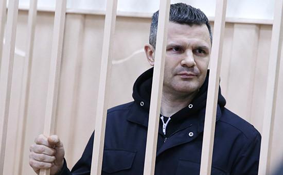 Рассмотрение вопроса об аресте владельца аэропорта Домодедово Д.Каменщика в Басманном суде. 19 февраля 2016 года
