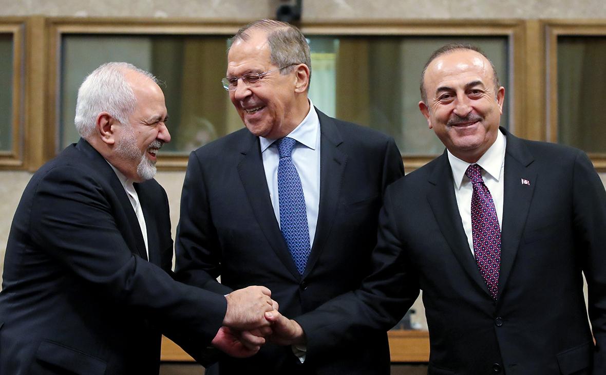 Джавад Зариф, Сергей Лавров иМевлют Чавушоглу (слева направо)