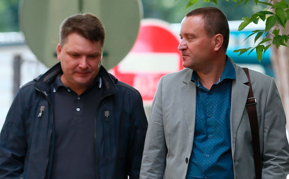 Александр Круглов и Роман Дунаев перед началом оглашения приговора в Солнцевском суде Москвы