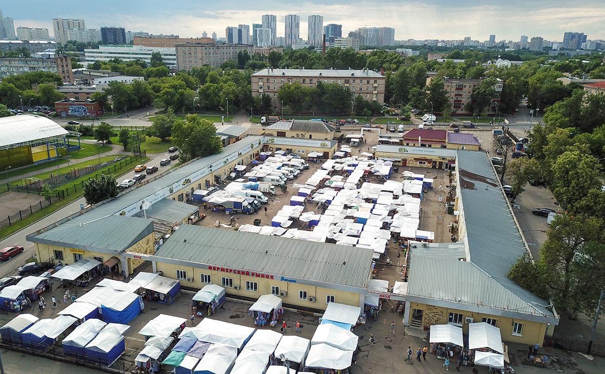 Вид на Коптевский рынок