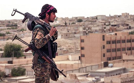 Солдат сирийских демократических сил