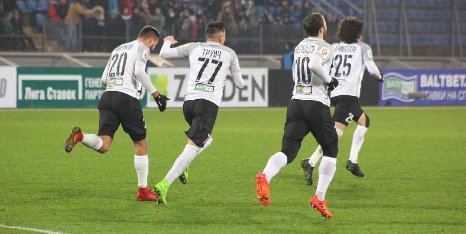 Футболисты «Тосно» отказались тренироваться из-за долгов по зарплате
