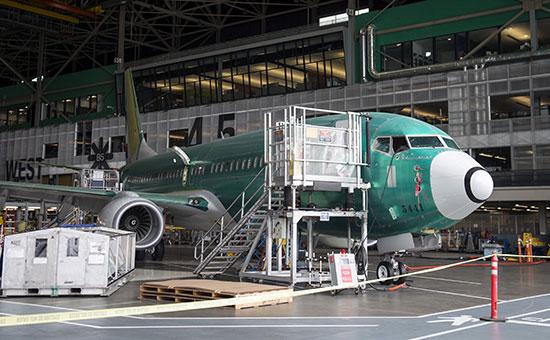 Производство самолета Boeing737