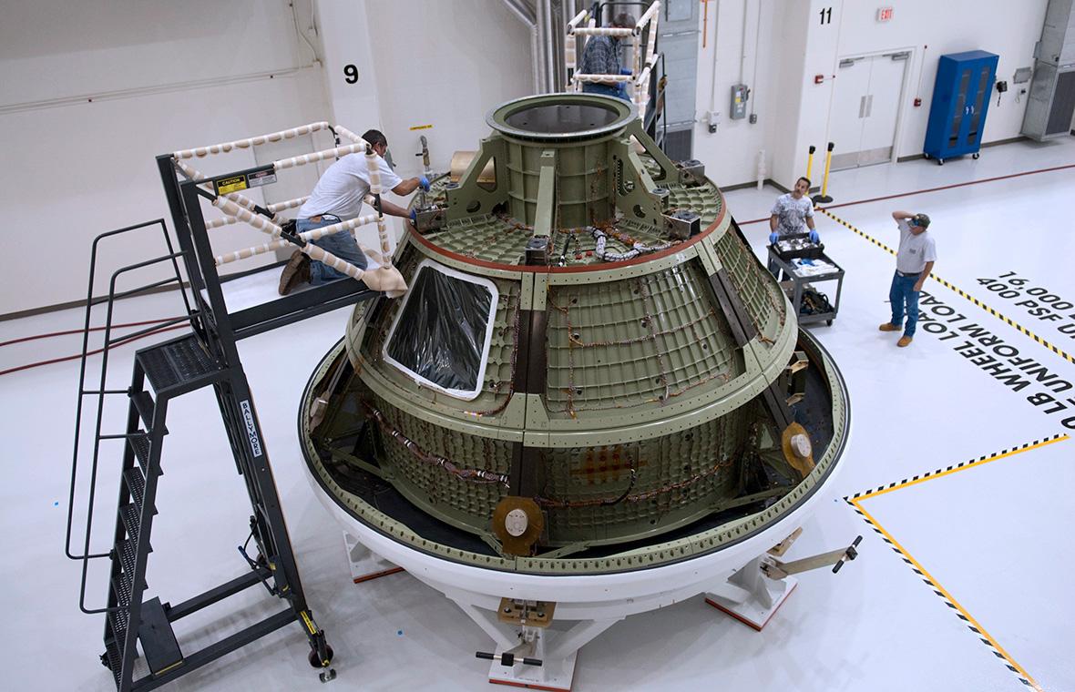 Сборкакосмического корабля Orion