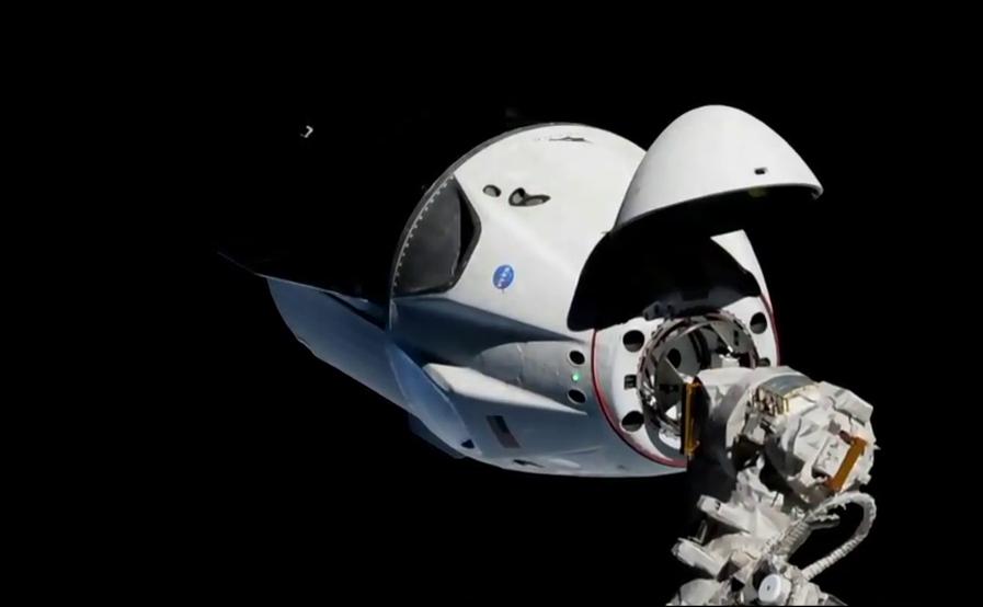 Dragon-2 стыкуется с МКС