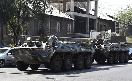 Бронетехника вЕреване, 17 июля 2016 года