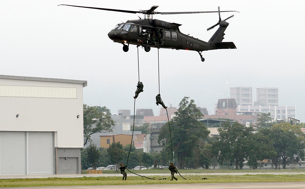 Вертолет UH-60M Black Hawk