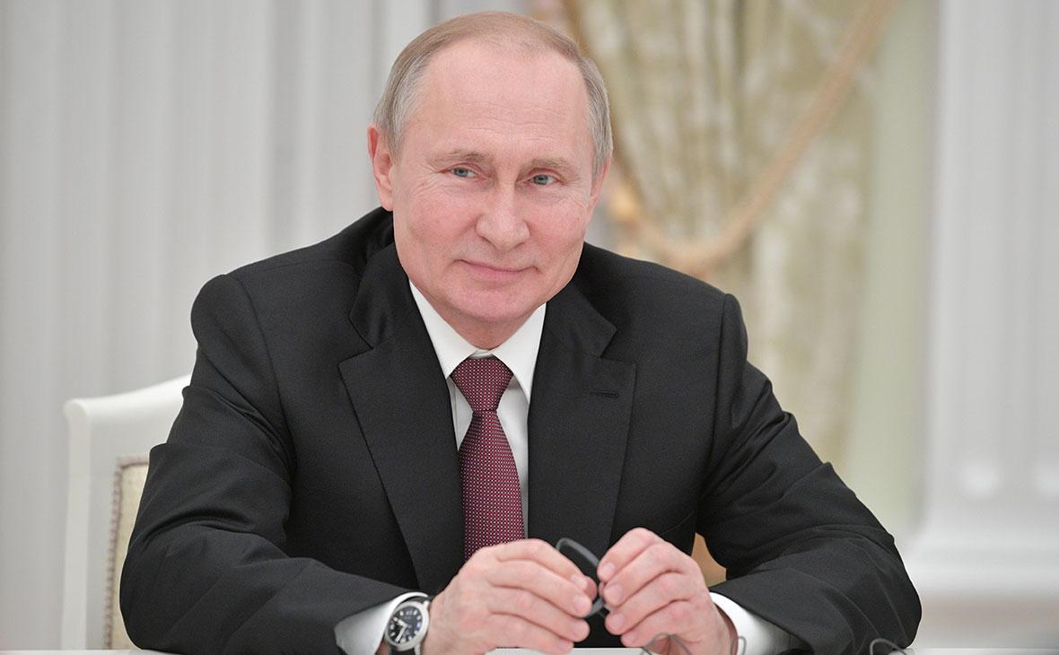 Путин поручил ужесточить наказание за оскорбления