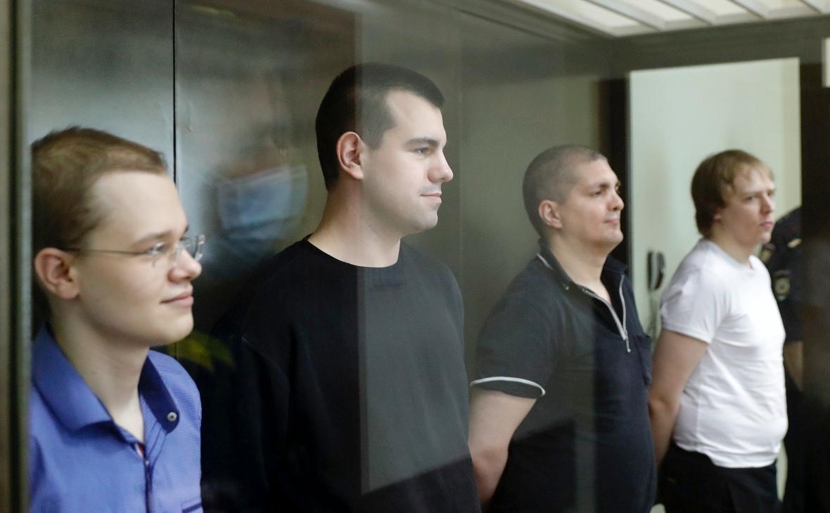 Вячеслав Крюков, Руслан Костыленков, Петр Карамзин и Дмитрий Полетаев (слева направо) во время оглашения приговора в Люблинском районном суде
