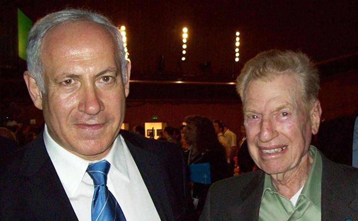 Митчелл Флинт (справа) с премьер-министром ИзраиляБиньямином Нетаньяху