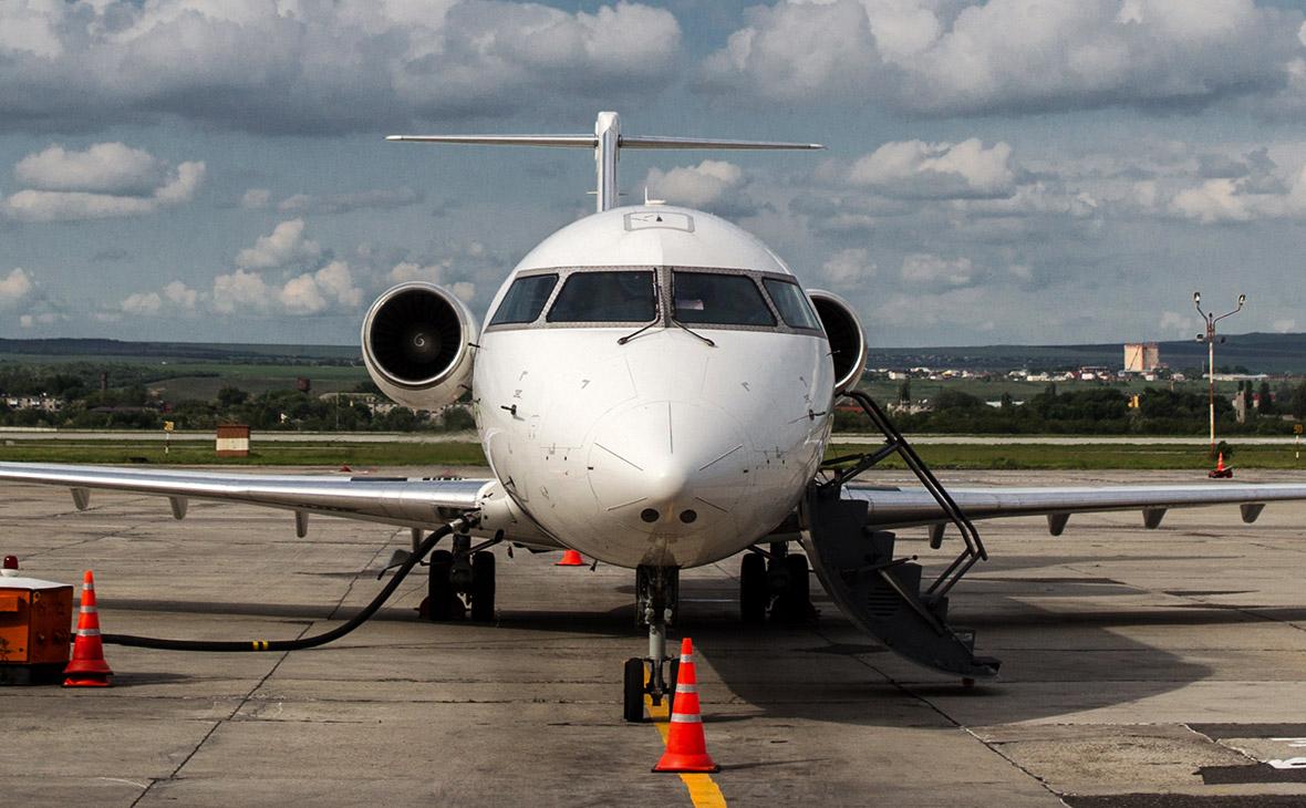 Самолет Bombardier CRJ-200