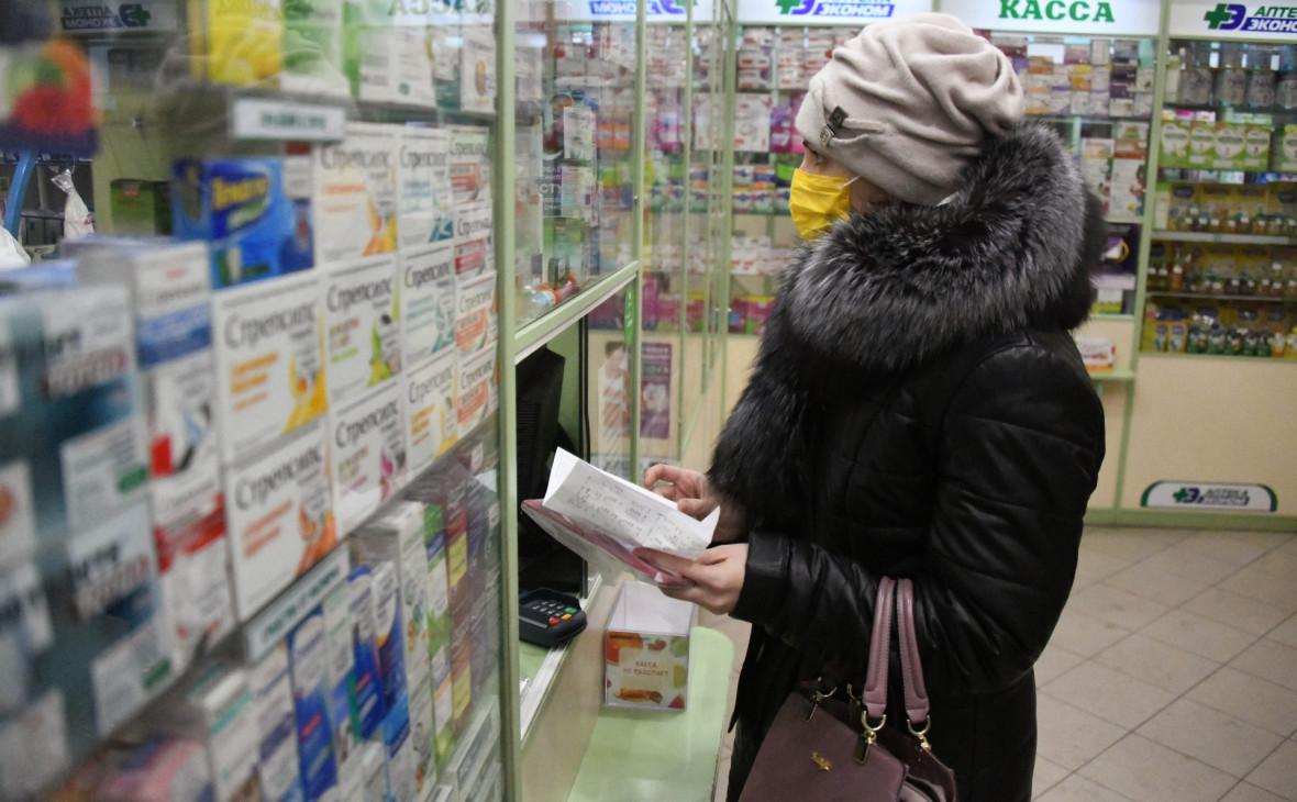 Правительство поручило создать стратегический запас медицинских масок