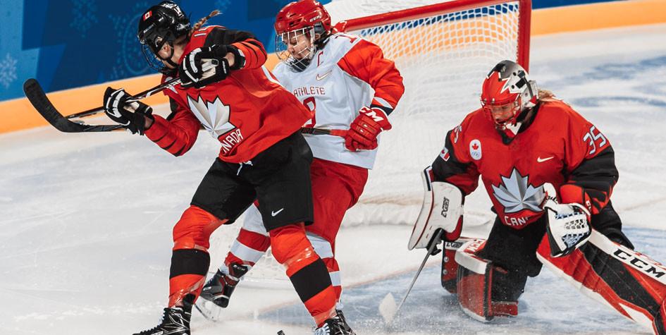 Российские хоккеистки потерпели разгромное поражение в полуфинале Игр