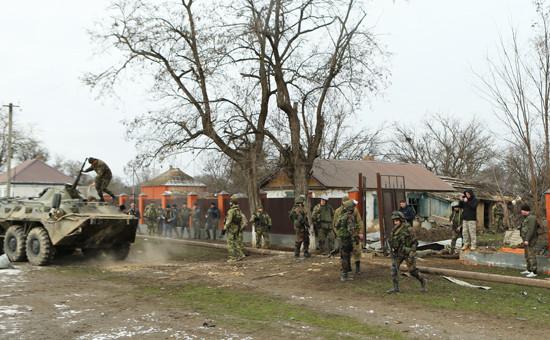 Спецоперация на окраине станицы Мекенская Наурского района, в ходе которой уничтожены два боевика, оказавших вооруженное сопротивление