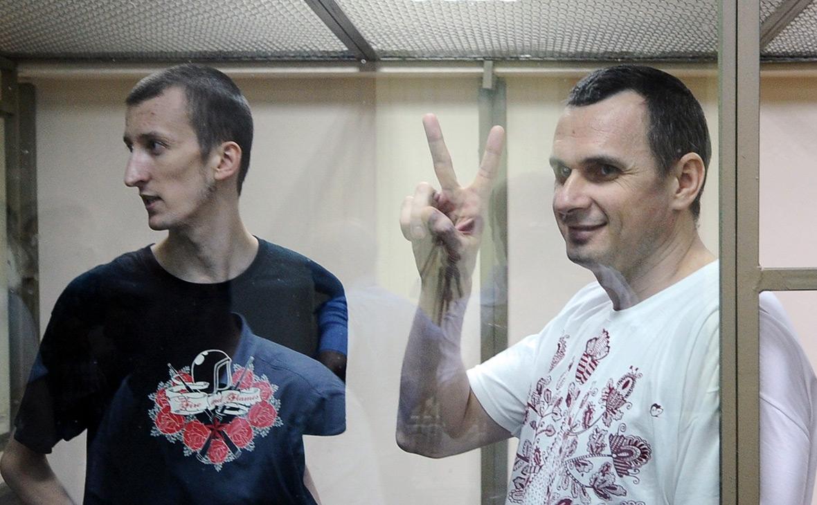 Олег Сенцов (справа) и Александр Кольченко