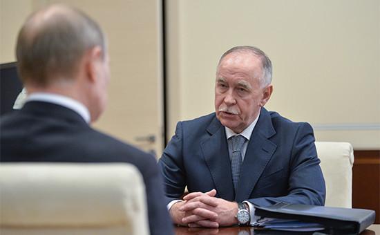 Президент РФ Владимир Путин и бывшийдиректор ФСКН Виктор Иванов (слева направо)