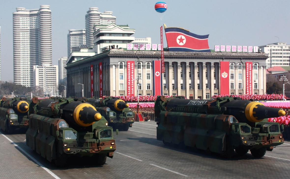 Межконтинентальные баллистические ракетына параде в Пхеньяне, 9 февраля 2018 года
