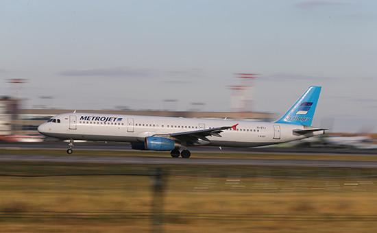 Airbus 321 авиакомпании «Когалымавиа» сбортовым номером EI-ETJ (архивное фото)