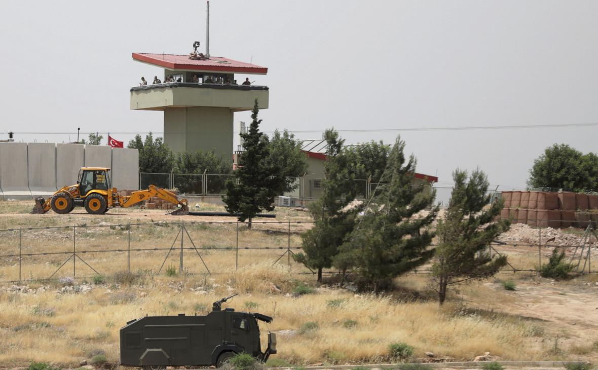Минобороны Турции сообщило о гибели двух военных в Идлибе