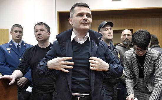 Владелец Домодедово Дмитрий Каменщикпосле заседания Басманного районного суда 16 мая 2016 года