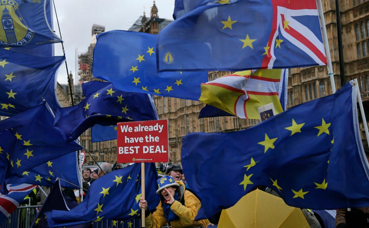 Британские депутаты отвергли сделку Мэй по Brexit