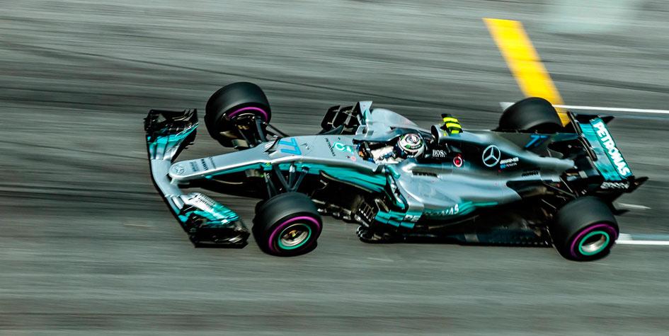 Валттери Боттас выиграл вторую гонку в сезоне «Формулы-1»